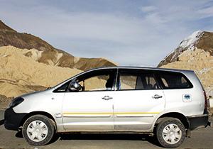 delhi-innova-car-taxi-rental-service