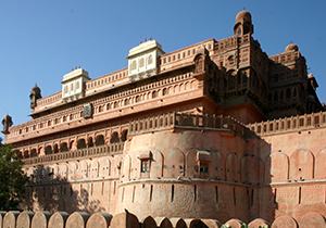 rajasthan-fort-and-palaces-tour-from-delhi-car-rental-service