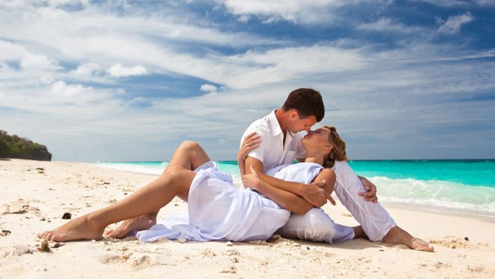 India Honeymoon Tour Packages From in Delhi Hire Car and Driver Service